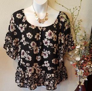 Lavish Floral Women's Top Size 2X